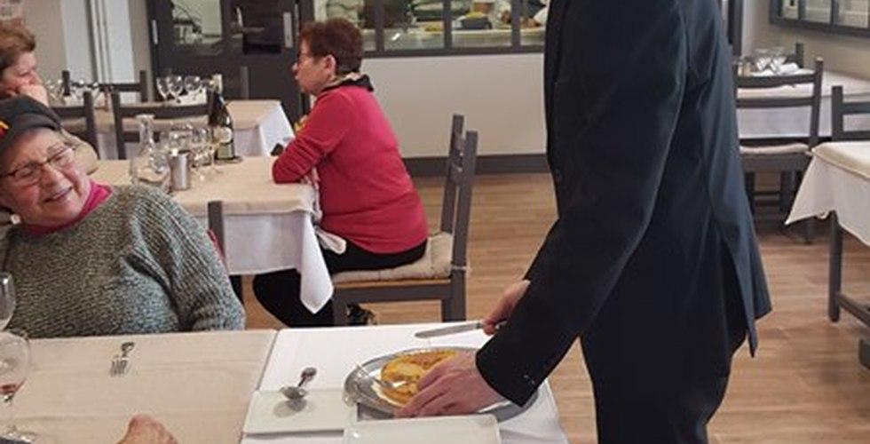 Formation au service en hôtellerie et restauration - MFR Pujols