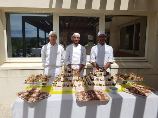 Présentation d'un buffet extérieur - MFR Pujols
