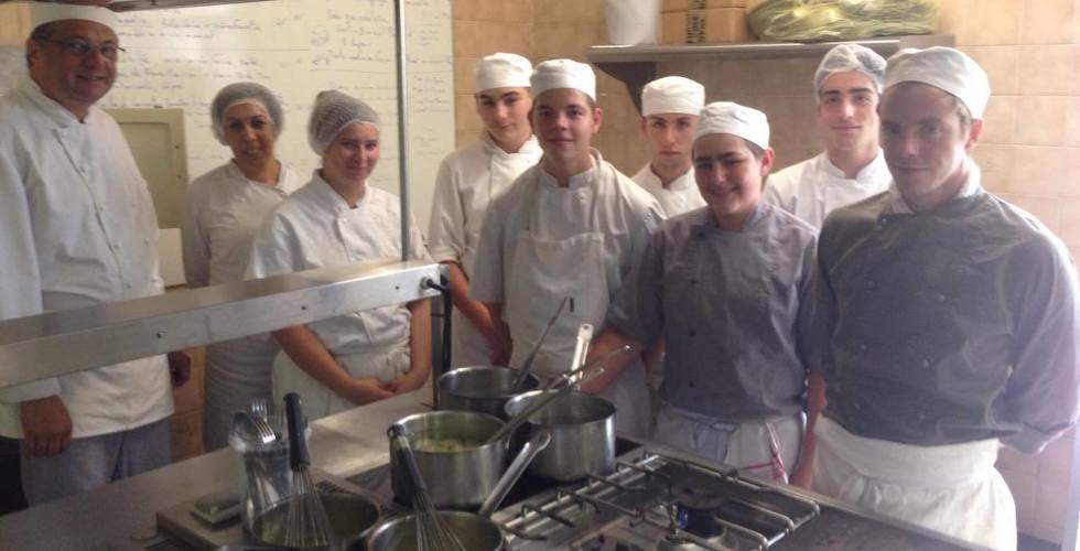 Eleves en CAP Cuisine - MFR Pujols