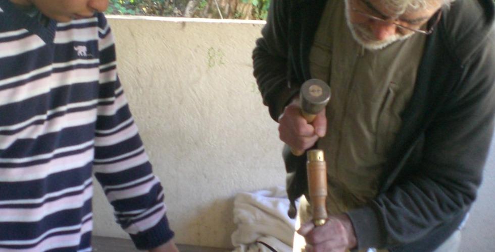 Taille de pierre avec un professionnel - MFR Pujols dans le Lot-et-Garonne