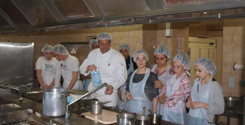 Formation de cuisine - MFR Pujols dans le Lot-et-Garonne
